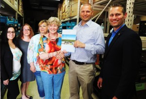 Belvidere/Boone County Food Pantry receives grant