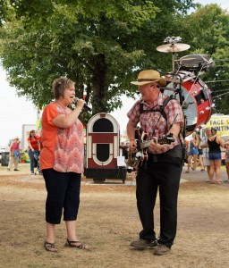 Real Beal's One Man Band performs at Boone County Fair