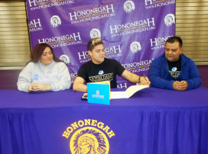 Fernie Silva signs National Letter of Intent to attend Notre Dame College of Ohio