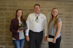 Exelon Generating Station supports yearbook staff