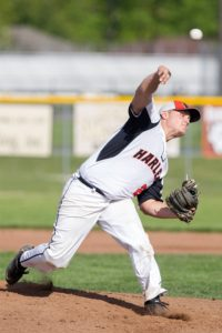 Harlem baseball defeats Boylan for 17th conference victory, 5-2