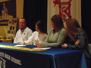 Peyton Flynn signs with Valparaiso