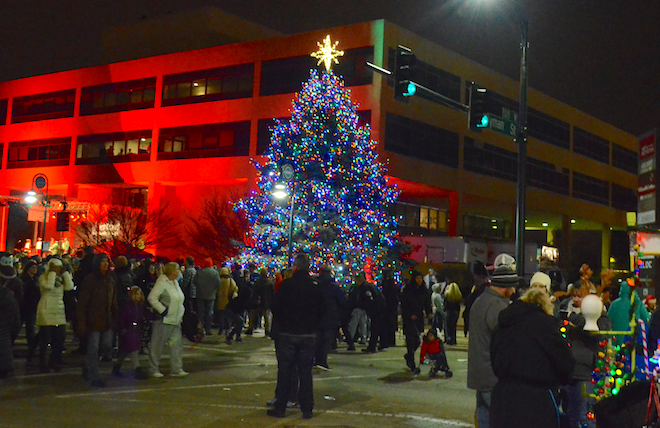 Spruce tree shines at Stroll on State