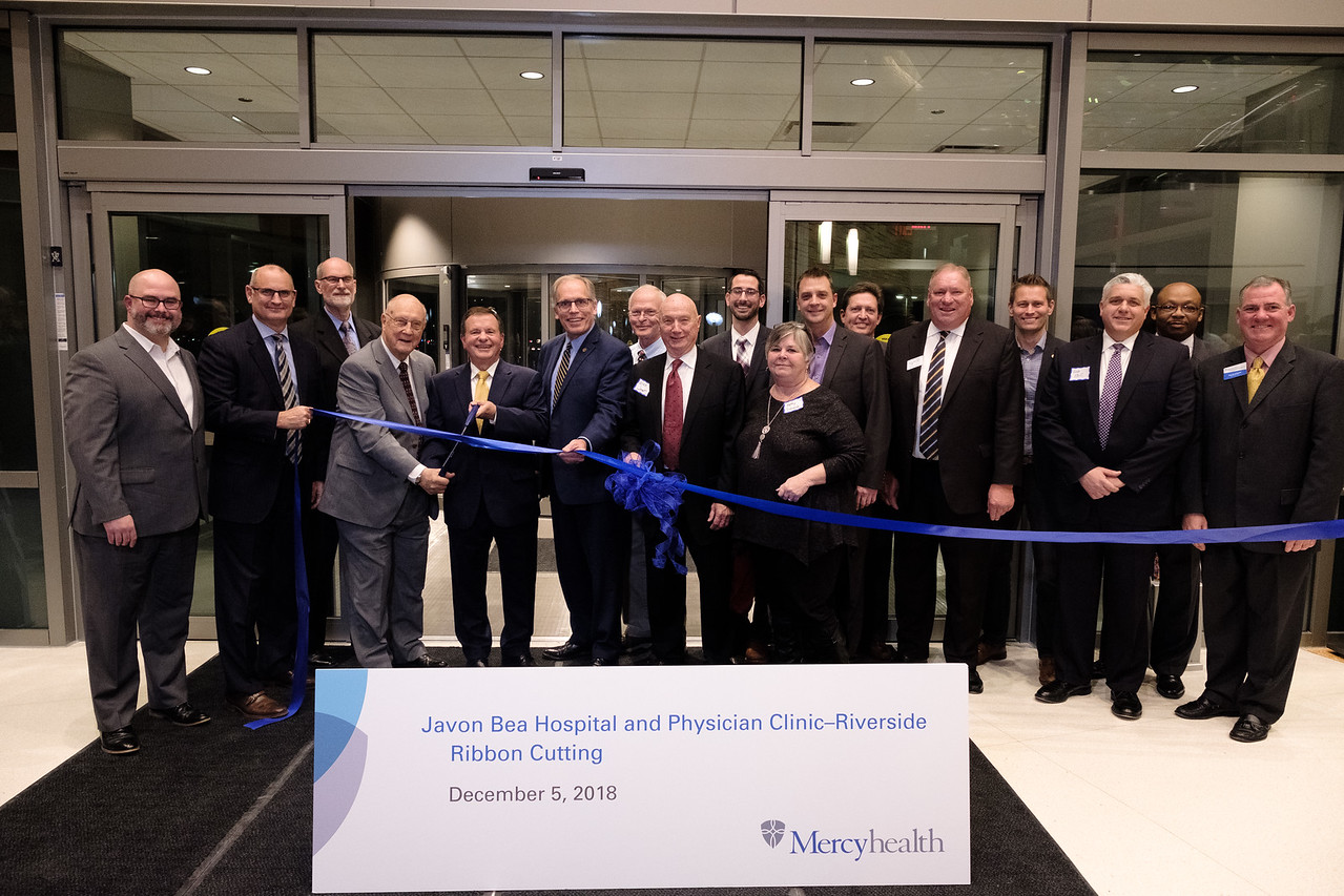 Mercyhealth holds dedication, blessing and ribbon cutting at Javon Bea Hospital–Riverside