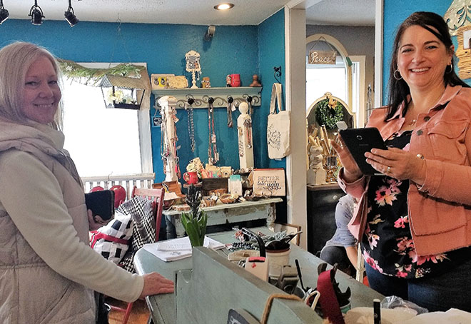 Vintage shoppers visit stores for special prices, prizes during 6th annual Shop Hop