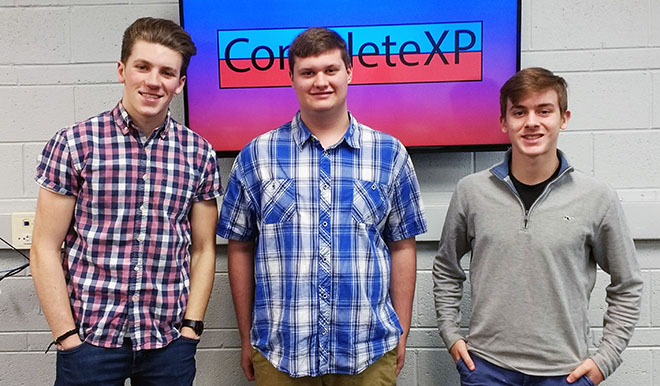 Hononegah INCubator students make their pitch