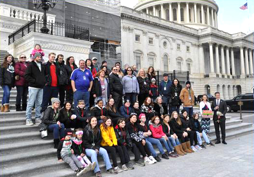 Rep. Kinzinger welcomes Harlem Middle School to D.C.