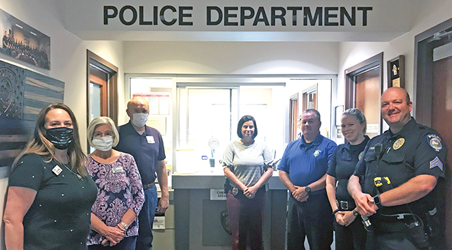 Local group shows support for area police departments