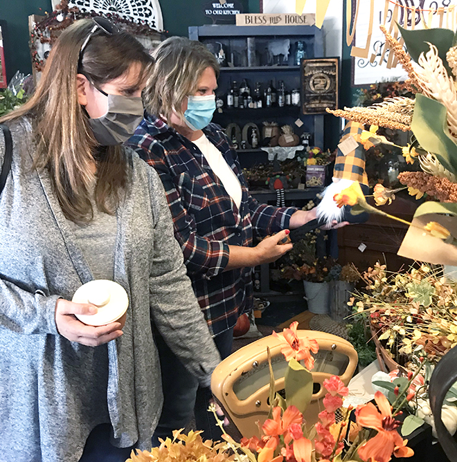 Vintage Shop Hop brings treasure-hunters out for a day of fun and shopping